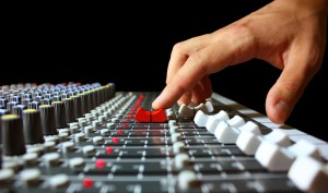 finger-on-mixer-fader